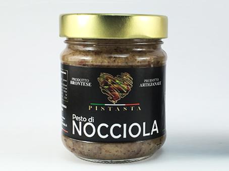 Haselnuss-Pesto