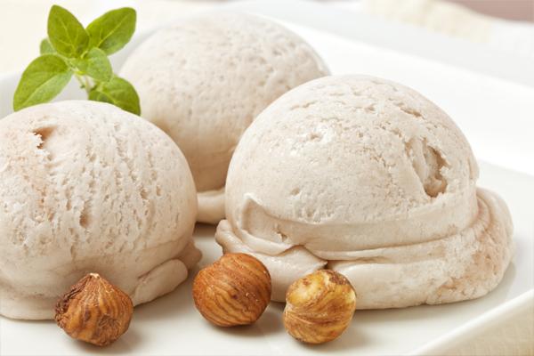 Pure hazelnuts paste