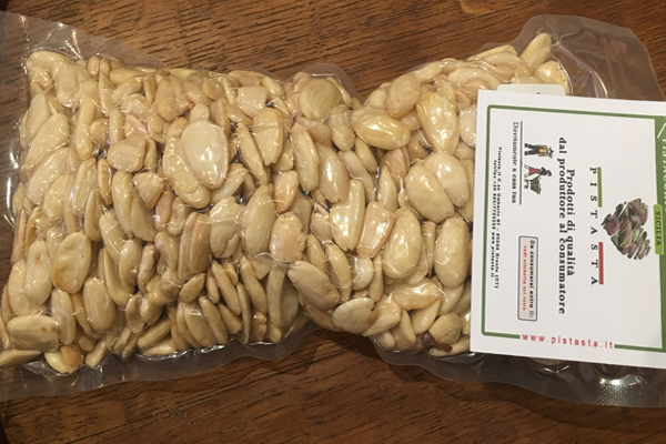 Peeled Avola Almonds