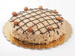 Haselnuss-Creme-Torte